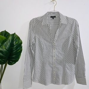 ❄️ 3/$25 Le Chateau Pinstriped Shirt Medium